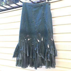 LAST CHANCE 🔸 Denim Beaded Lace Skirt